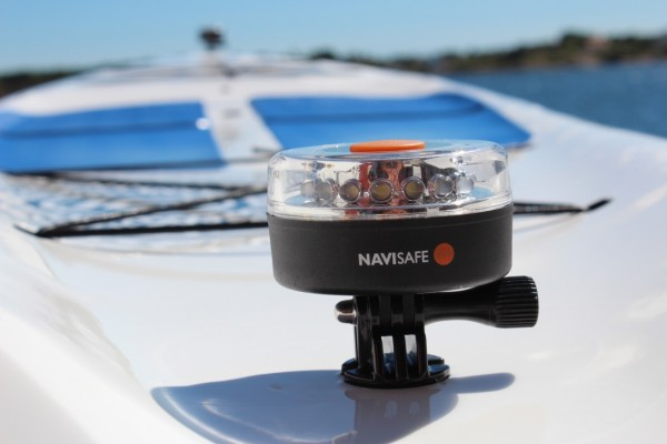 040_or_041_114_Navilight_360-_mounted-on_SUP_with_FCS_mount