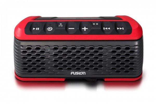Fusion Stereo Active Bluetooth Radio